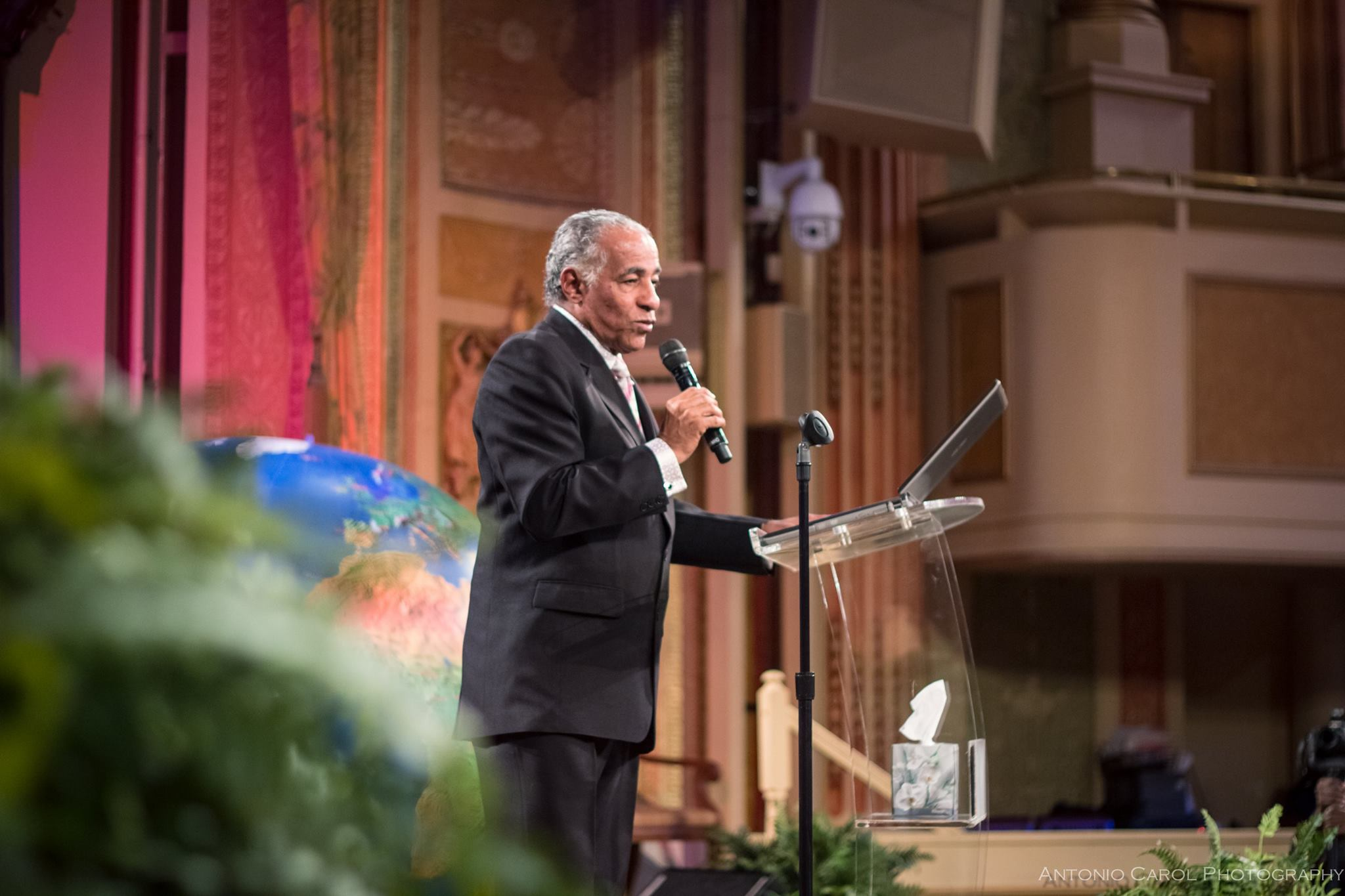 Dr. C. B. Peter Morgan, Former President of the International Third World Leaders Association and Chairman of the Global Leaders Prayer Gathering Steering Committee, presenting the agenda for the powerful time of prayer that followed.